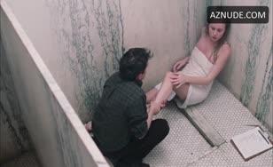 Brie Larson-Nude scene in shower