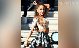Ariana Grande VS Selena Gomez, Fap Tribute!