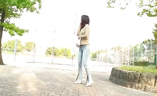 Japanese girl peeing in jeans